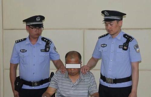 公安机关审讯犯罪嫌疑人李某某。