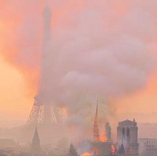 【蜗牛棋牌】惨不忍睹 巴黎圣母院里面已经烧成这样了(图)