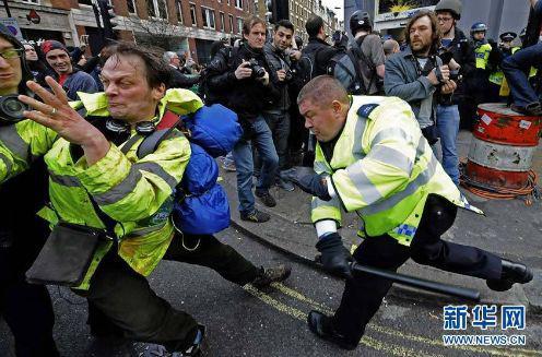 在英国美国 暴力示威者的下场都是这样的(图)|暴力