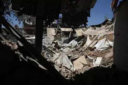 7月2日正在阿富汗都城喀布我第16警区拍摄的爆炸打击现场。(图片滥觞:新华社)