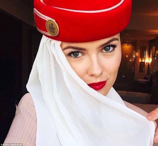 美女空姐一年蹭玩74个国家 晒旅行照狂吸粉(图)