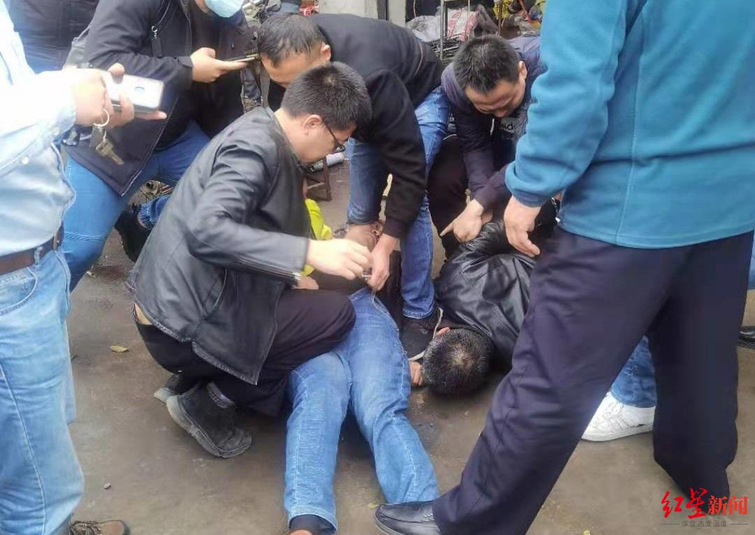 """砂石厂报案""""100千克水银被盗"""" 警方挖出背后""""黄金窃案""""图片"""