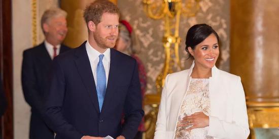 英国女王的新玄孙 能继承王位还能竞选美国总统?