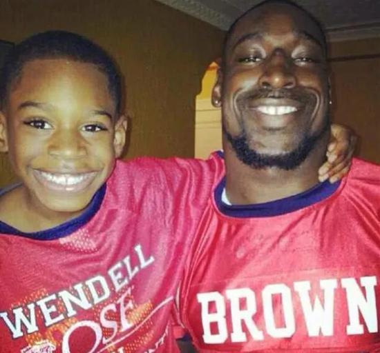 布朗和他的儿子