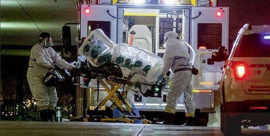 美国新冠肺炎死亡超千人