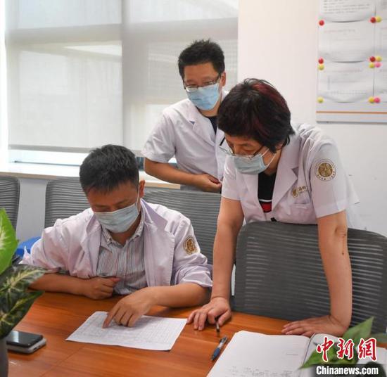 浙江温岭爆炸事故:含94岁重症患者 部分病人烧伤面积95%图片