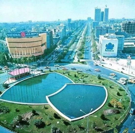 1971年德黑兰维里阿瑟广场