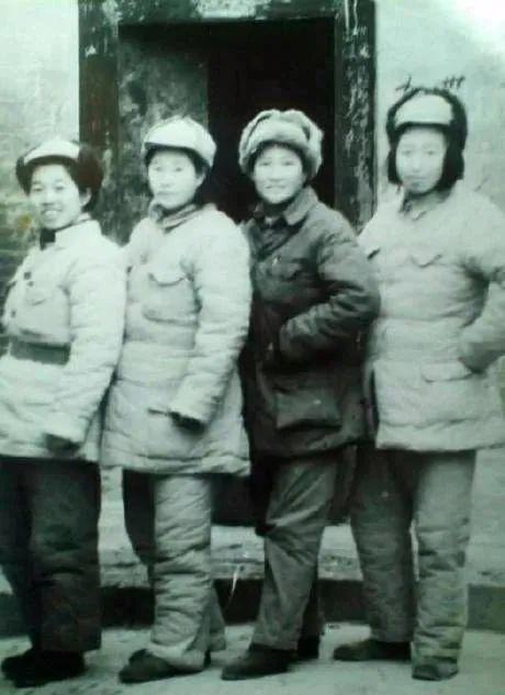 参加中原突围的四名女兵
