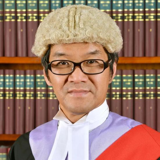 摩天娱乐香港法官可以反政摩天娱乐府不能图片