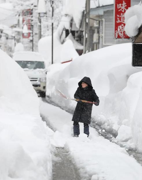日本多地大雪已致65人死亡:多为65岁以上老年人