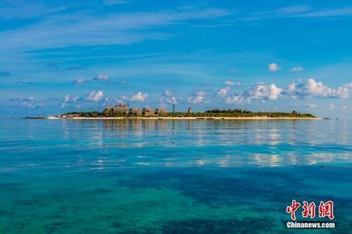 图为美丽的三沙晋卿岛。中新社记者骆云飞摄