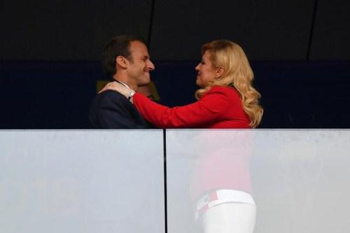 赛前,和克罗地亚女总统寒暄几句吧。(图来自东方IC)