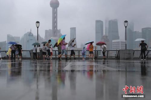 """台风""""摩羯""""登陆浙江 上海或有7至8级大风"""