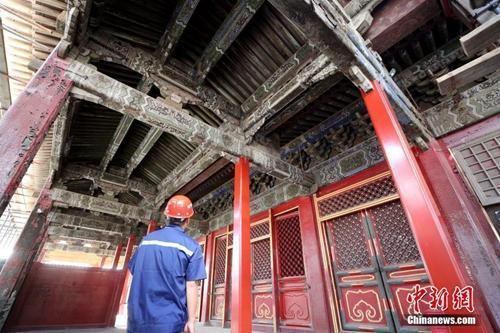 北京故宫养心殿修缮项目现场。中新社记者 张宇 摄