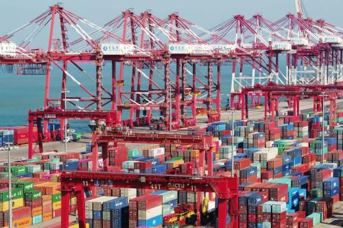 美日欧意图影响国际贸易规则。图为中国一贸易港口。新华社