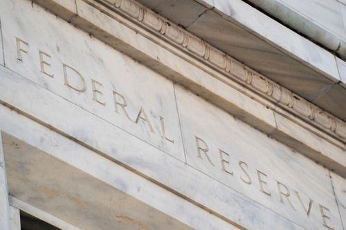 这是3月3日在美国华盛顿拍摄的美联储大楼。新华社记者 刘杰 摄