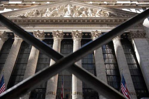 这是3月9日拍摄的美国纽约证券交易所大楼。新华社记者 李木子 摄