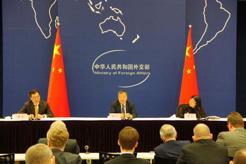 外交部就中国-世卫组织新冠病毒溯源联合研究举行吹风会图片