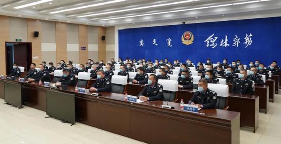 张子军本年3月赴内蒙古公安厅履新后,空白至今的锡林郭勒盟公安局局长一职已迎来继任人选。