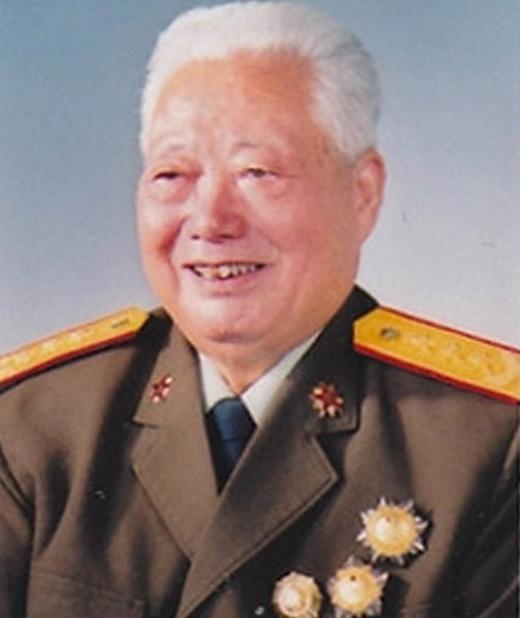 开国少将、原北京军区政委刘振华因病医治无效在北京逝世。