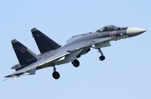 解放军多架军机日前飞越巴士海峡执行训练。(图源:台媒)