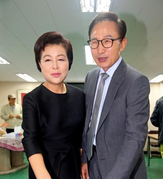 李明博和夫人金润玉