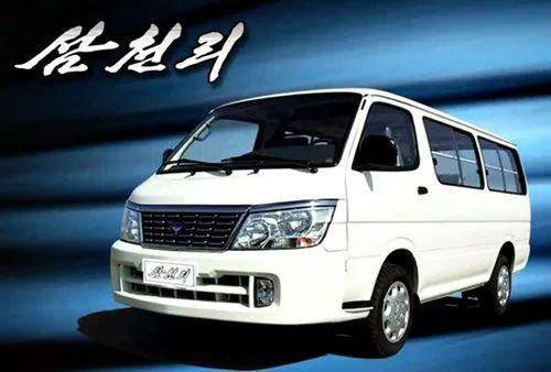 """(图说:""""和平汽车""""生产的""""三千里"""")"""