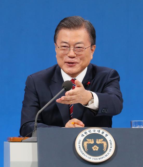 韩国总统文在寅:疫情过后 考虑给全民发钱