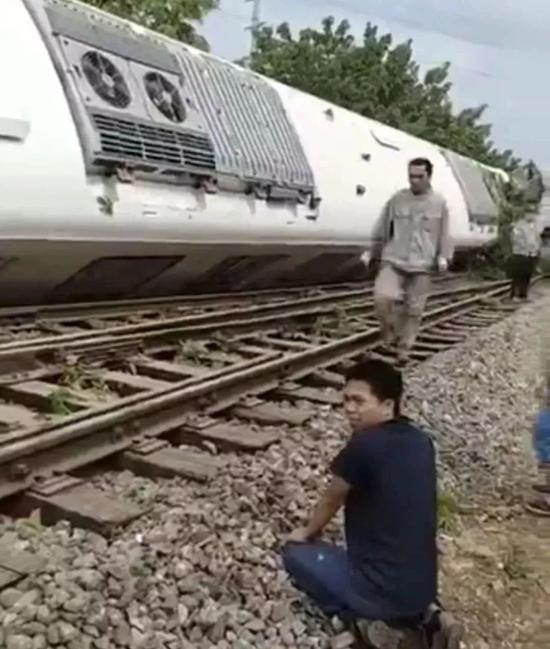 武汉地铁列车测试时侧翻 这4个问题不得不说