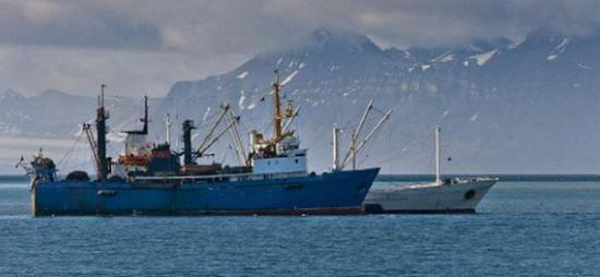 俄国钢制拖网渔船