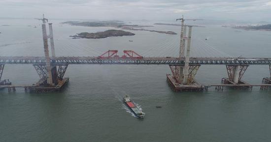 世界最长跨海公铁两用大桥今贯通预计2020年通车