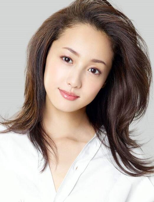 日本女演员泽尻绘理香因涉嫌持有毒品被捕