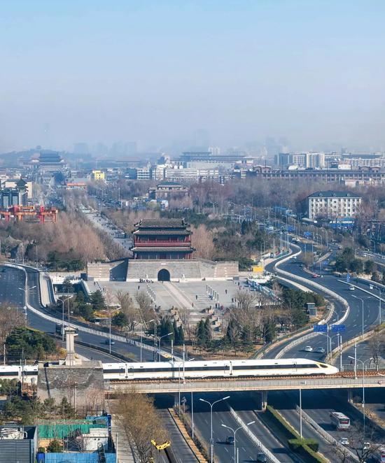 京津乡际铁路经由过程北京永定门四周,拍照师@焦潇翔/星球研讨所
