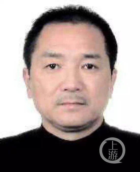 咸宁警方公布的犯罪嫌疑人李红新
