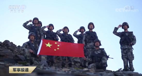 海拔最高的秋迪检格拉哨所的边防官兵,负责监视班公湖北岸