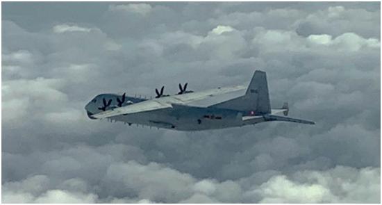 台防务部门:解放军运-8反潜机下午进入台西南空域图片
