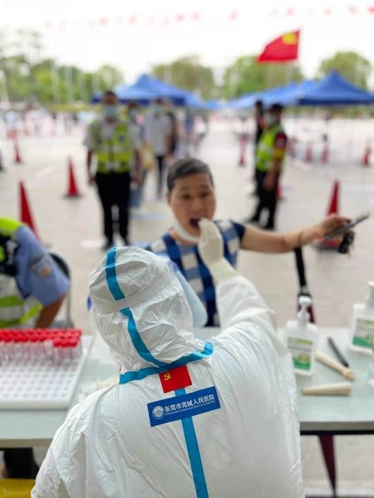 东莞疾控专家释疑:为何李某婷孩子没被感染,麦当劳内学生反而被感染