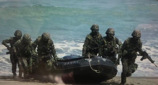 """台军内斗?海空军抱怨:陆军在背后""""抢位子""""图片"""