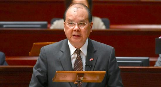 香港政务司司长张建宗:不会纵容姑息公务员违法