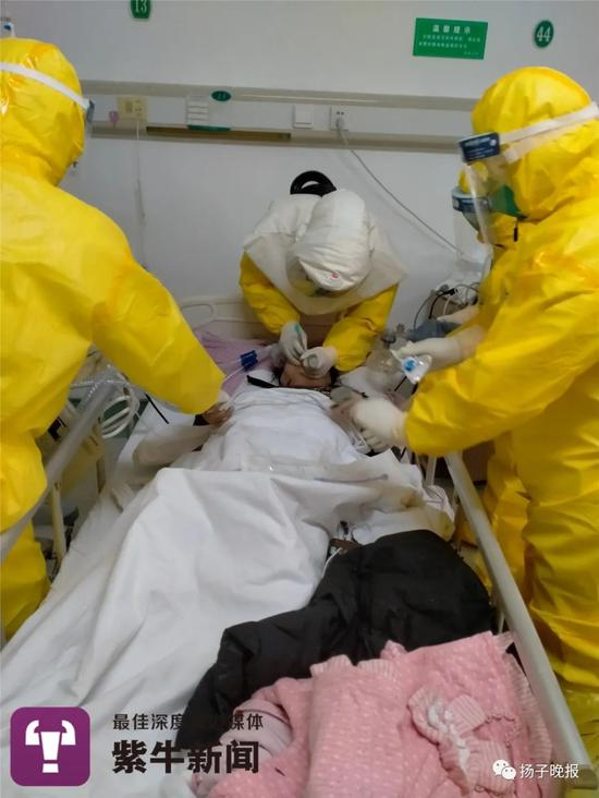 潘纯为患者告急气管插管
