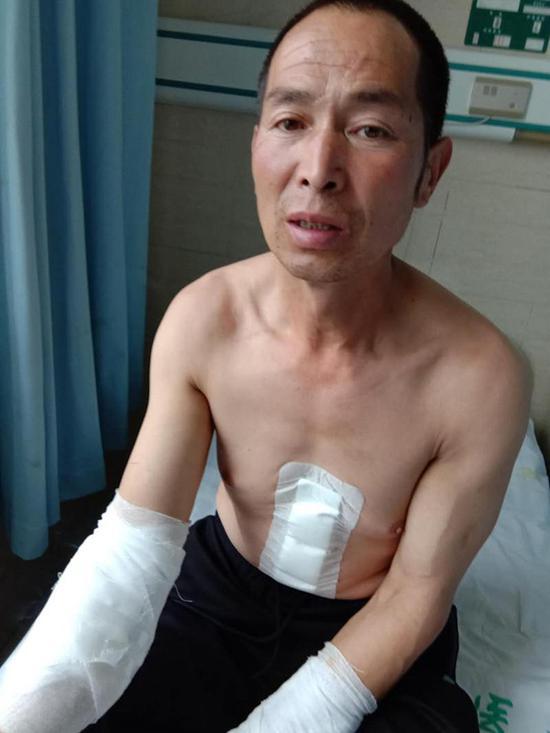 受伤的王新元案件曾被检方退侦一次,处起诉审查阶段