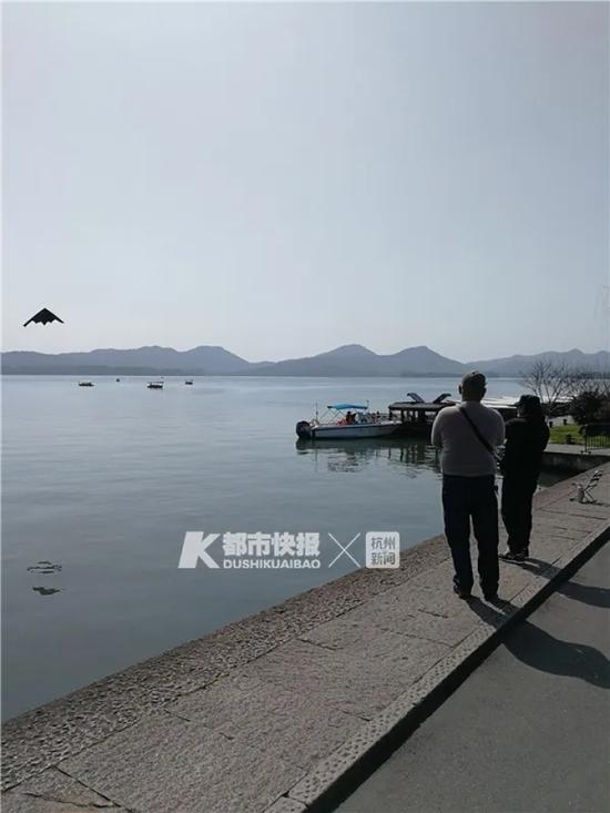 杭州多个城区发布紧急通告:疫情尚未解除!不要扎堆聚集、不戴口罩!图片