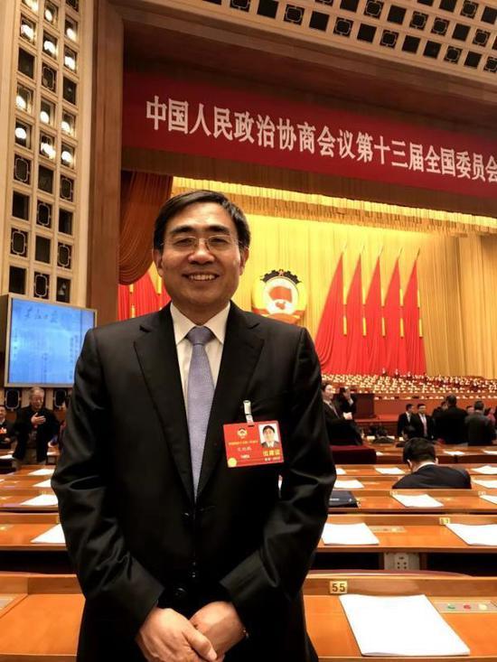 天下政协委员、河南大学校长宋纯鹏