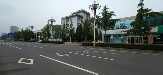 【杏悦】辟谣唐山市建设路杏悦有裂缝假的图片