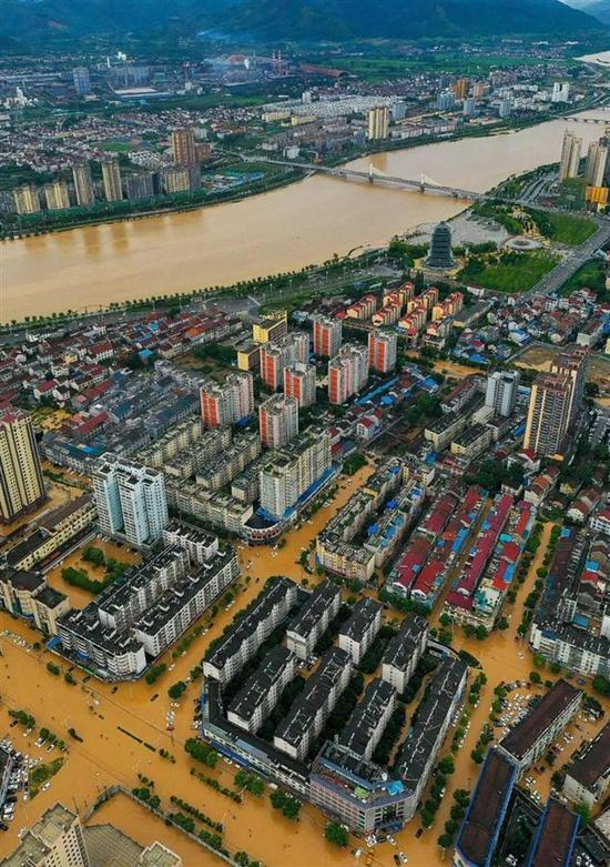 陕西勉县遭暴雨袭击停水停电 一村庄失联18小时
