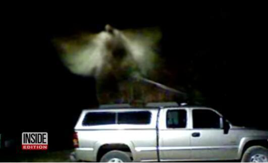 """美国密西根州拍到""""神秘白雾""""。(图源:《世界日报》)"""