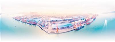 """广西防城港是""""一带一路""""建设的重要门户之一,图为防城港海运码头全景图。人民视觉"""