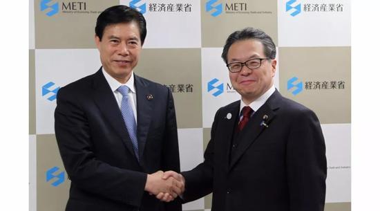 商务部部长在东京会见日本经济产业大臣世耕弘成冥神中变第十二季