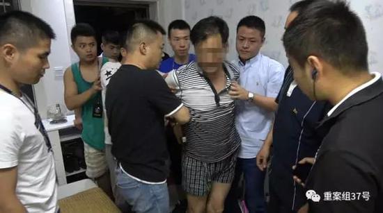 ▲2017年8月11日,警方将22年前血案嫌疑人刘永彪抓获。 警方供图
