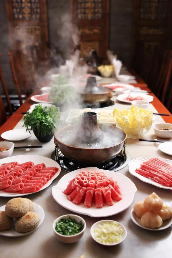 罕见的国人餐桌,图片滥觞@VCG